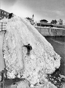 Scenes like this were common during the Blizzard of 1978.