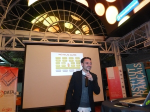 Francisco Kemeny of Black Sheep speaks at Data Tuesday at Movistar Innova.