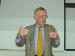 Jack Fuller speaks at the University of Diego Portales.
