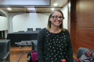Francesca Lessa after her lecture about amnesty laws and legal impunity at the University Alberto Hurtado