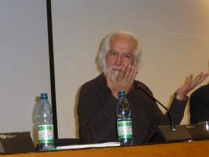 Gabriel Salazar speaks about Rafael Gumucio's latest book at the GAM.